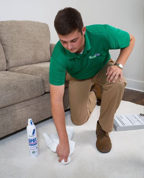 carpet cleaning in omaha technician
